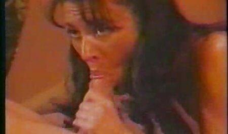 जोवन जॉर्डन बड़े उल्लू वेट्रेस को सबक फुल मूवी वीडियो में सेक्सी सिखाता है