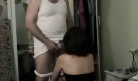 मोनिका सेक्स करते हुए हिंदी मूवी द बेब
