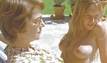 यूरो शौकिया चूसने और हिंदी मूवी वीडियो सेक्सी tugging मुर्गा