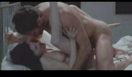 सैफिक इरोटिका - सेक्सी मूवी हिंदी में सेक्सी मूवी आइरिस और सुजी द्वारा टिटिलेटेड पुसी