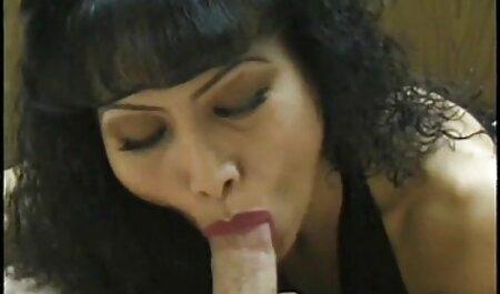 सींग का बना किशोर सेक्सी मूवी एचडी डबल प्रवेश