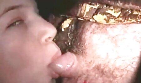 छोटे फुल हद सेक्सी मूवी titted लड़की तेल से सना हुआ और कठिन गड़बड़ हो गया