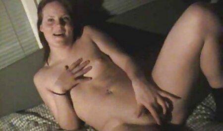 Slutty चिक सेक्सी हिंदी फिल्म मूवी वीडियो मॉल बाथरूम में गंदा हो रही है