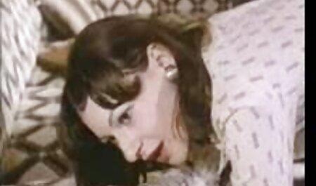 सींग का बना सेक्सी वीडियो मूवी पिक्चर हुआ Lizz Tayler उसकी प्यारी युवा बिल्ली बढ़ा हो जाता है