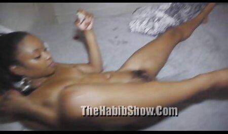एशले जेन नग्न हो रही हिंदी में सेक्सी पिक्चर मूवी है और उसके स्तन और बिल्ली दिखा रही है